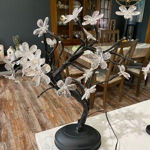 Floral light / flower lamp 🌸 🪔 💡‼️SOLD on FB ‼️